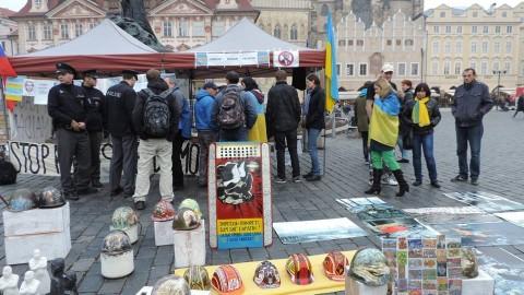 Euromaidan activists have met Anti-Maidan…in Prague