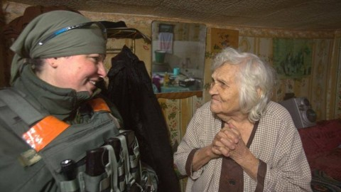 Ukrainian soldiers become social workers for locals in the conflict zone