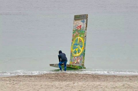 Berlin Wall installation with peaceful messages was sent from Odessa to Sevastopol