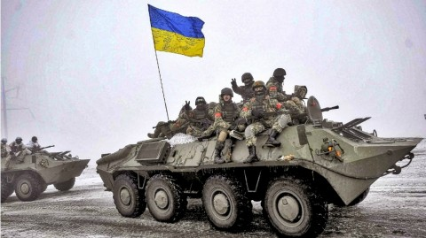"""Information panic"" and Ukraine's brave armed forces"