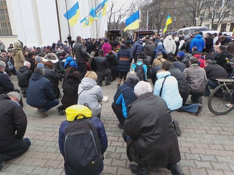 Odessa pays last tribute to soldiers tormented by Russian invaders