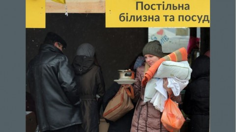 Volunteer-run center in Kyiv assists internally displaced
