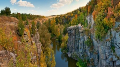 Malutki fiord w sercu Ukrainy – Bućki kanion