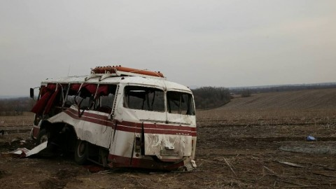 Bus hits mine in Donetsk Region killing 4 civilians