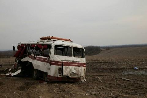 Bus hits mine in Donetsk Region killing 4 civilians