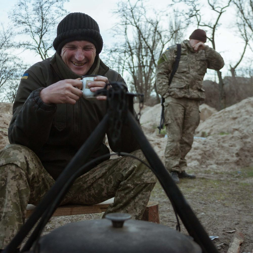 empr.media-defending-mariupol-sea-mariupol(4)