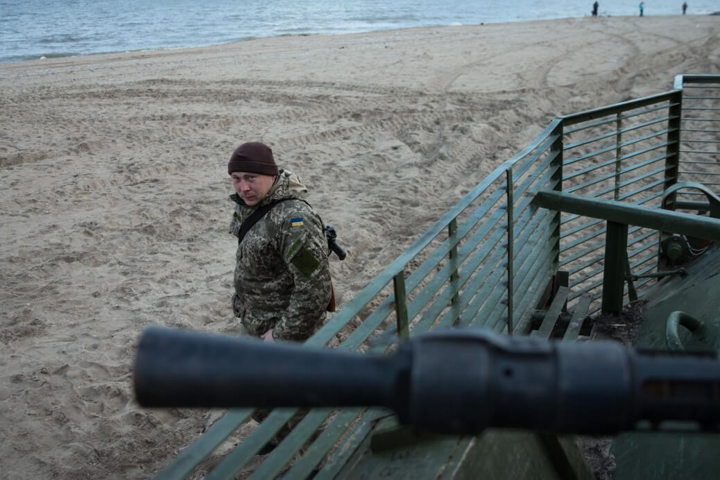 empr.media-defending-mariupol-sea-mariupol(1)