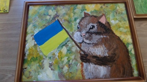 Школа живописи продает картины для помощи украинским военным