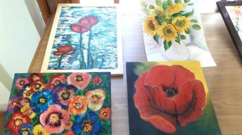 Une école de peinture vend des tableaux afin d'aider les militaires ukrainiens
