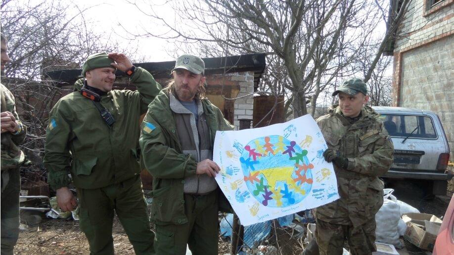empr.media-ukraine-frontline-volunteer-aid-2015