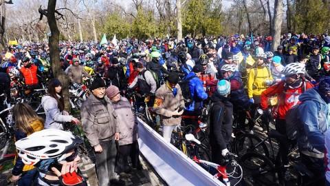Сто километров по Поясу Славы – в Одессе прошла ежегодная Велосотка