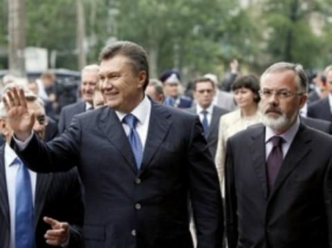 Jutro w Brukseli rozpoczną zdejmować sankcje z Janukowicza i kompanii