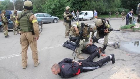 Российский боевик на допросе рассказал, как псковские десантники и чеченцы штурмовали Георгиевку (Видео)