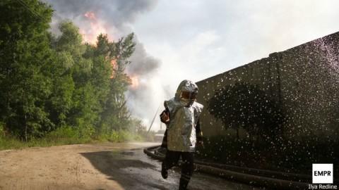 Пожар на нефтебазе под Киевом: Фоторепортаж