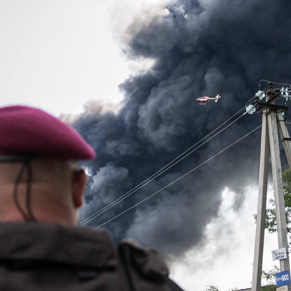 Разведывательную операцию по контролю распространения зоны поражения проводил патрульный вертолет