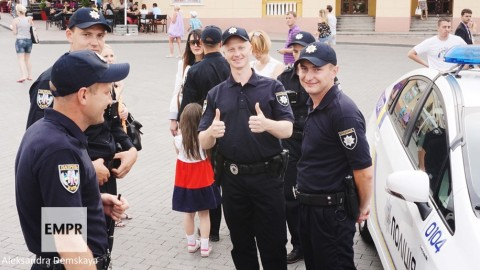 New Kyiv patrol police conquer hearts of Odessa residents