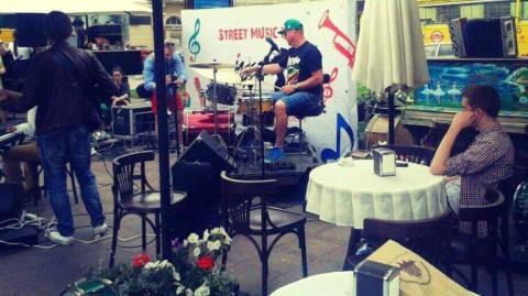 Lwów: deszcz, kawa…i jazz