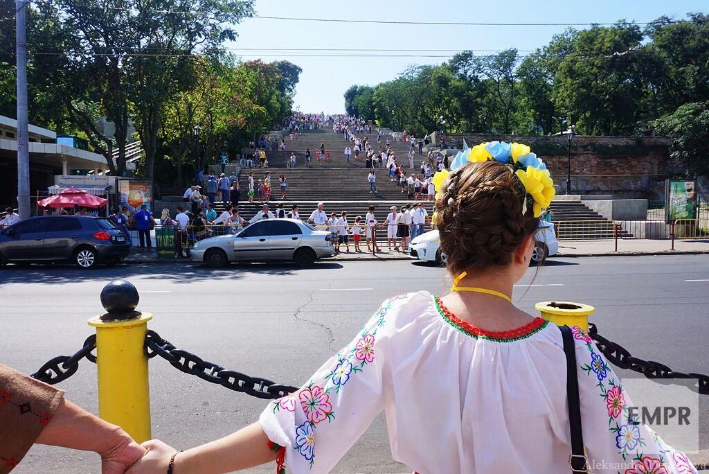 empr.media-ukraine-odessa-Vyshyvanka_chain_2015-6