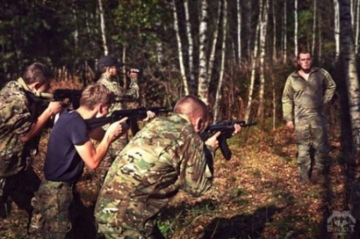 empr.meia-ukraine-war-russia-terrorists-enot-2015-12