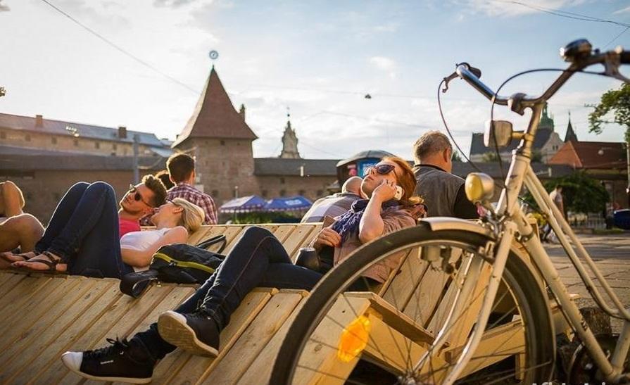 lviv ukraine heritage travel tourism guide architecrure development urban idea culture