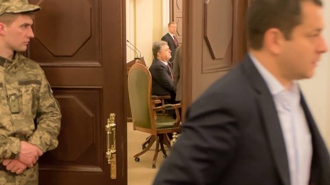 Poroshenko forces Ukrainian MPs to vote for the new Government