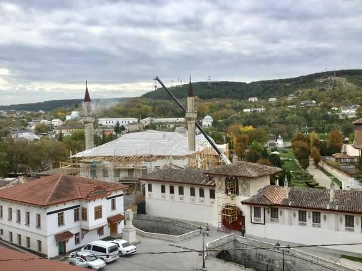 occupied crimea russia invade crimea bakhchisaray palace osman pashaev
