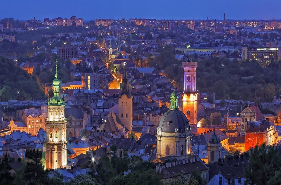 tourists left more than 600 mln eur in lviv in 2017 ukraine news updates