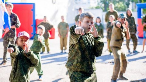 Russian invaders prepare schoolchildren for war in occupied Crimea
