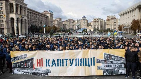 "About 10,000 people gathered to protest against ""Steinmeier formula"" in Kyiv"