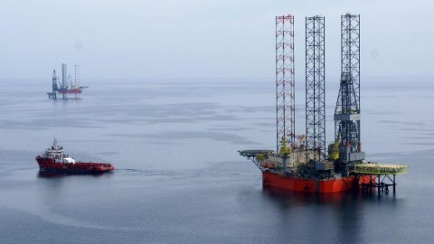 Russia admits seizure and militarization of Ukrainian oil rigs in the Black Sea