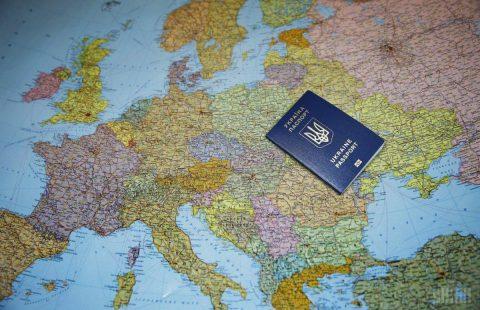 Ukrainian labour migrants transferred billions to Ukraine